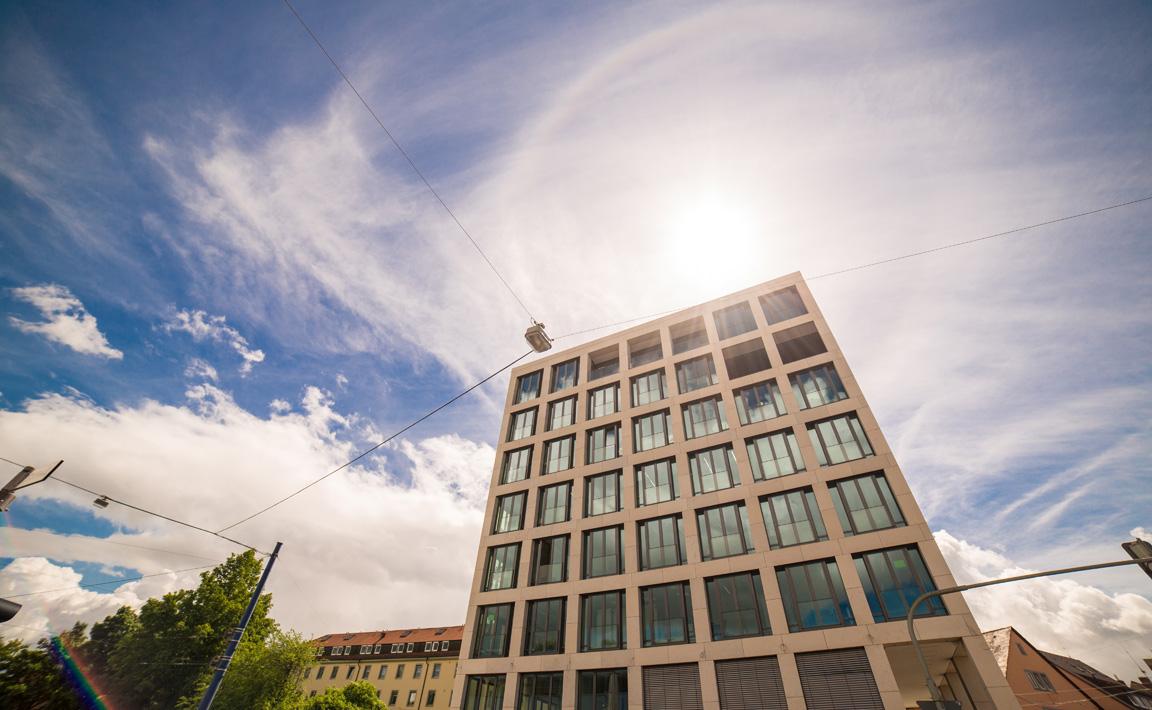 Praxisgebäude der Zahnärzte im Wengentor mit neuen, modernen Praxisräumen und einer herrlichen Aussicht auf die Ulmer Altstadt